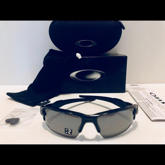 913350f74c Oakley FLAK 2.0 Sunglasses Black Polarized New 59